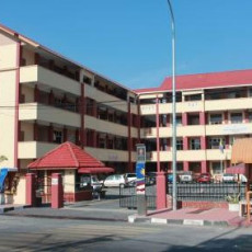 rumah-depan-sekolah